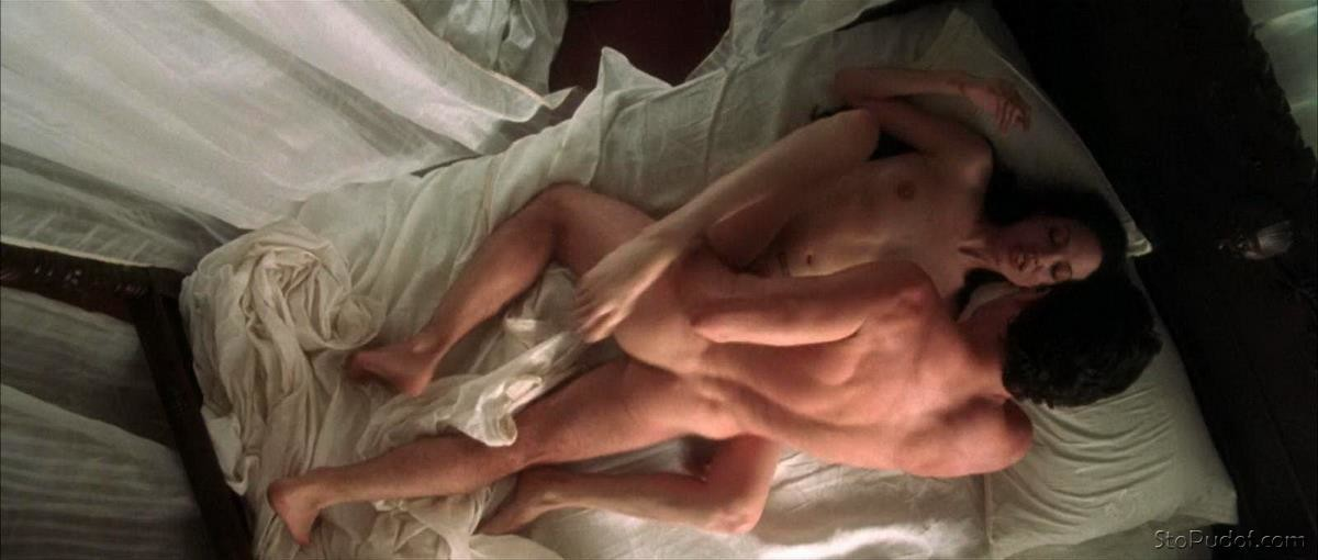 Angelina Jolie nude photos to see - UkPhotoSafari
