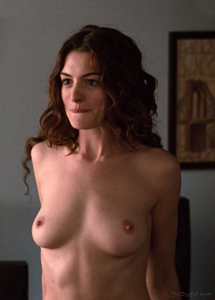 Anne Hathaway naked breasts - UkPhotoSafari
