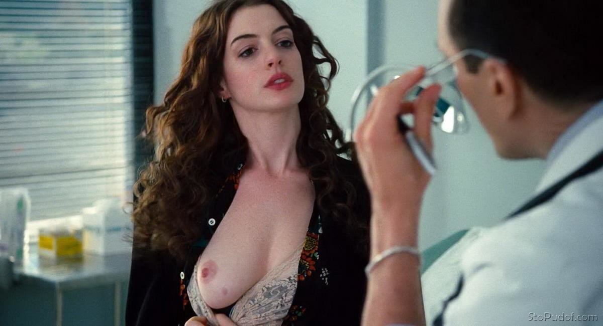 Anne Hathaway naked photo scandal - UkPhotoSafari