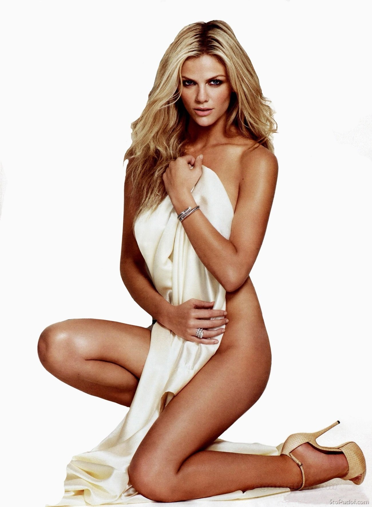 Hot Model Actress Brooklyn Decker High Defination