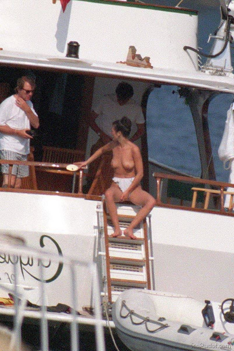 Catherine Zeta Jones nude video uncensored - UkPhotoSafari