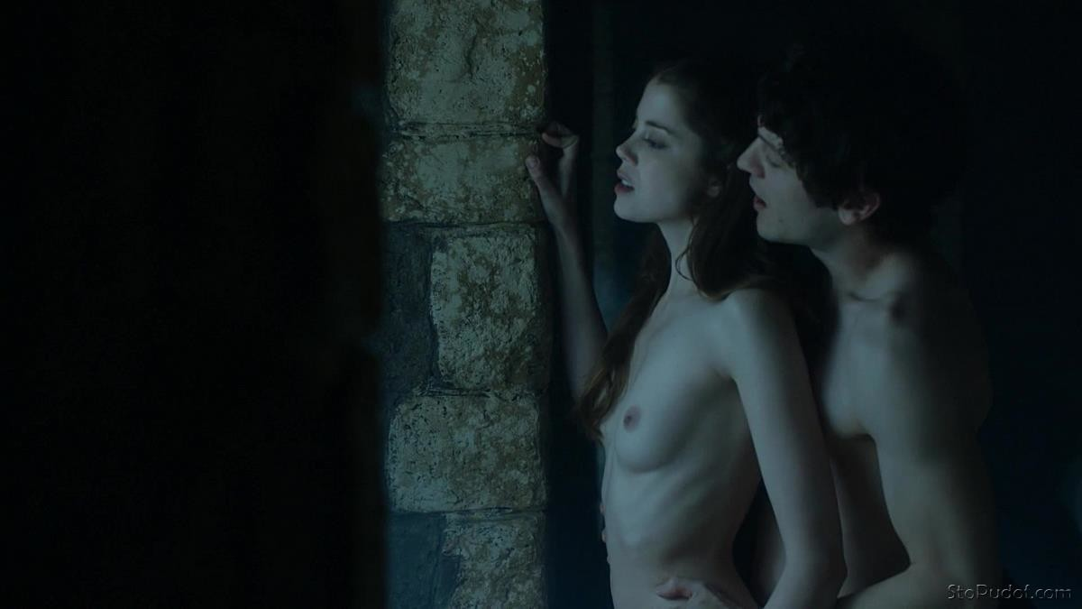 Charlotte Hope naked phone - UkPhotoSafari