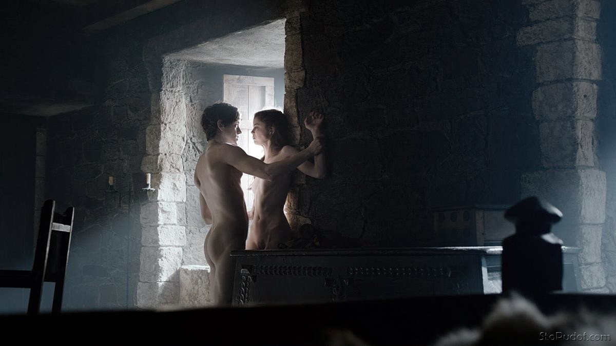 Charlotte Hope nude photo leak pictures - UkPhotoSafari