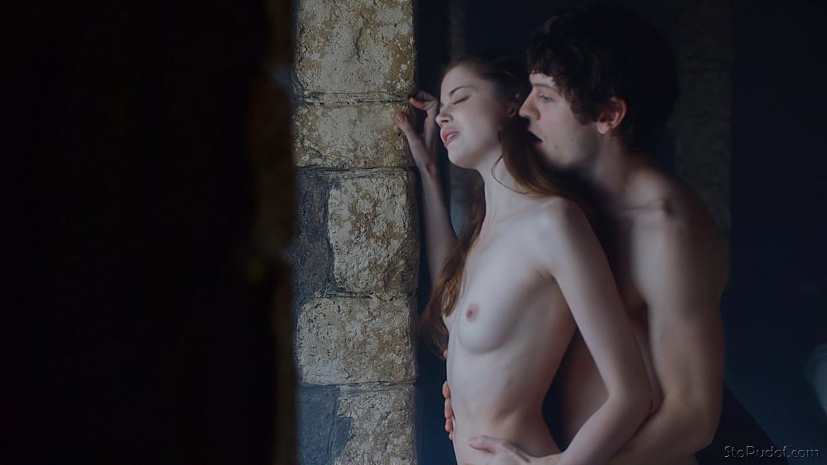 Charlotte Hope nude pic collection - UkPhotoSafari