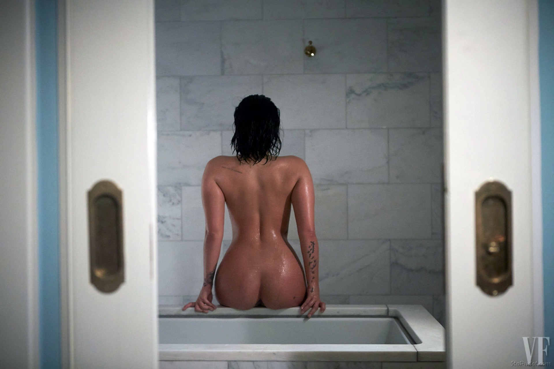 Demi Lovato leaked nude celebrity photos - UkPhotoSafari