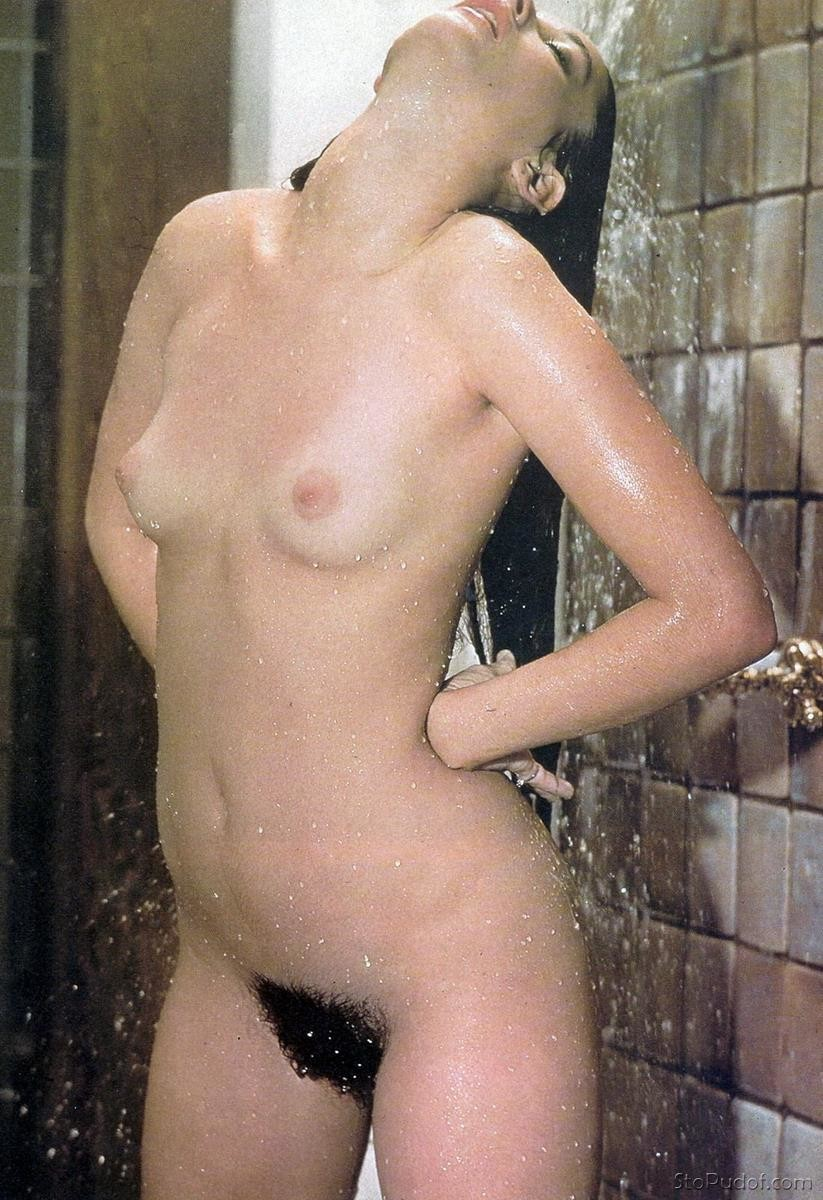 Demi Moore naked pictures online - UkPhotoSafari
