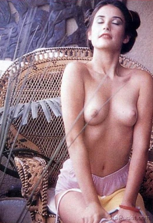 Demi Moore uncensored naked pics - UkPhotoSafari