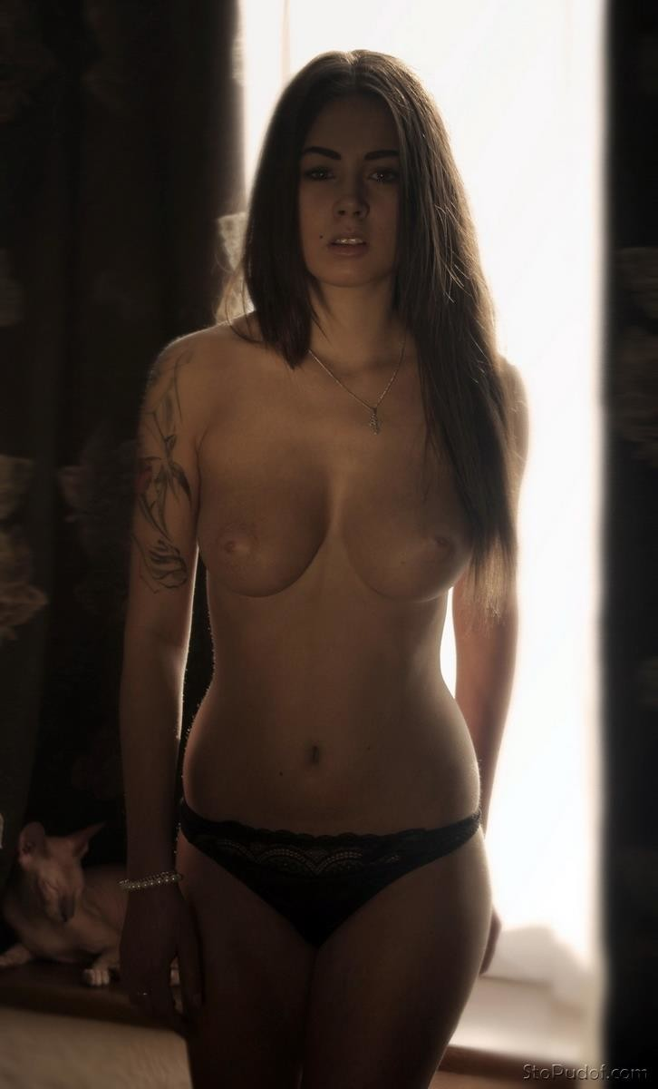 Diana Melison hot and naked - UkPhotoSafari