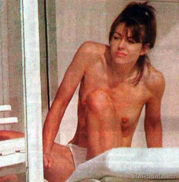 Elizabeth Hurley nude and naked - UkPhotoSafari