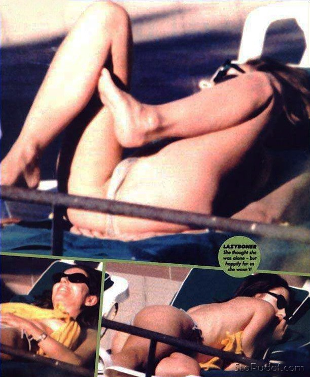 Elizabeth Hurley nude hacked photo - UkPhotoSafari