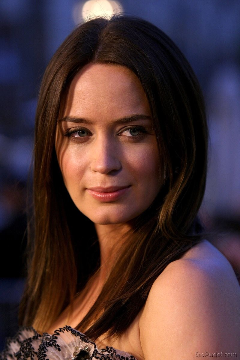 Emily Blunt Sex & Nude Scenes | #The Fappening