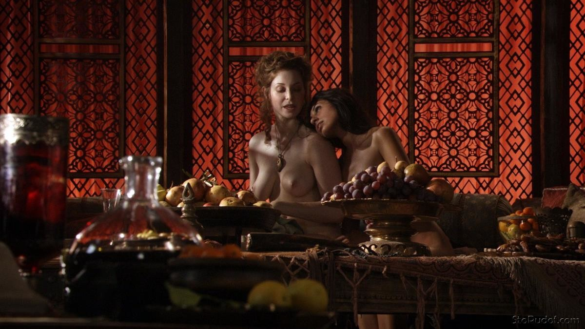 Esmé Bianco nude photos.com - UkPhotoSafari