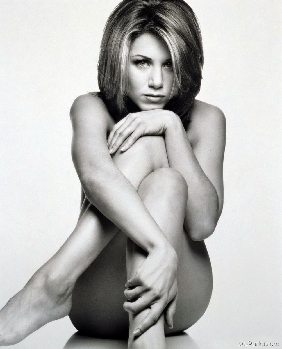 Jennifer Aniston naked photos gallery - UkPhotoSafari