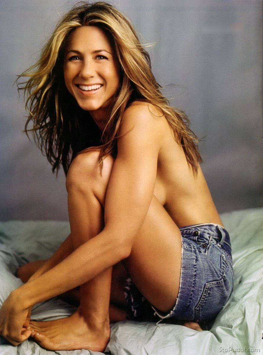 Jennifer Aniston nude leaked picture - UkPhotoSafari