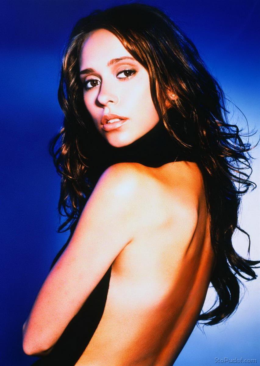 Jennifer love hewitt nude pics