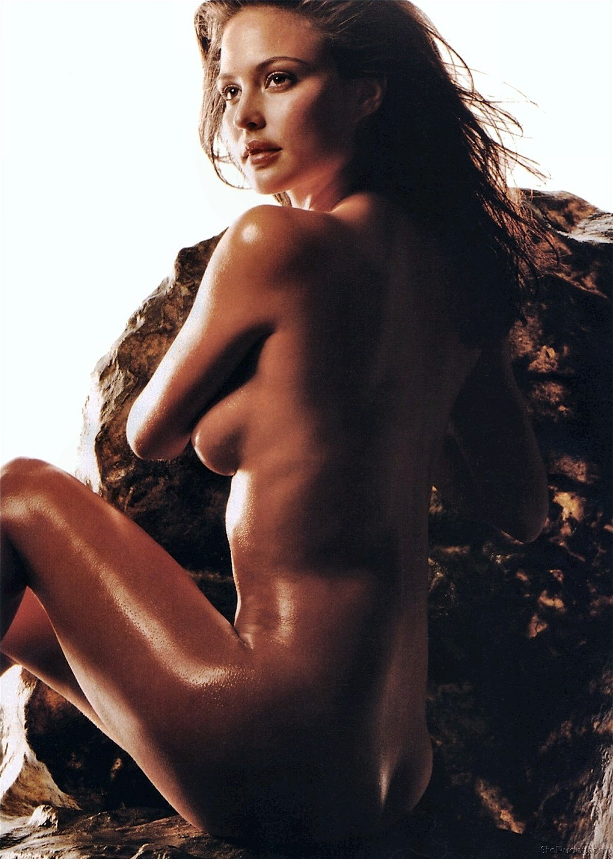 Josie Maran naked hacked photos - UkPhotoSafari