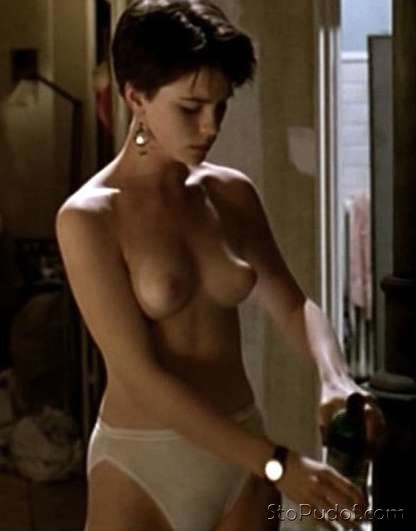 Kate Beckinsale butt naked - UkPhotoSafari