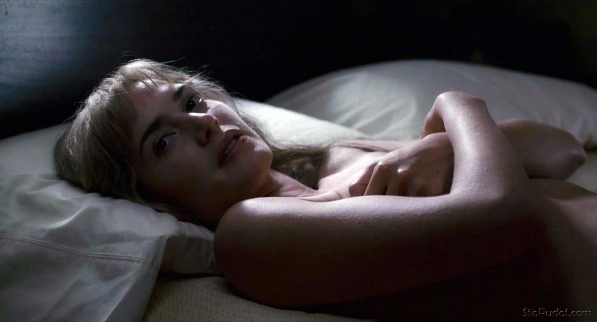 Kate Winslet nude cellphone photos - UkPhotoSafari
