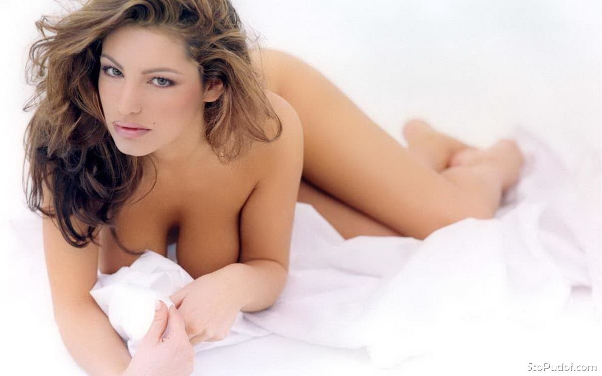 Kelly Brook naked photos uncensored - UkPhotoSafari