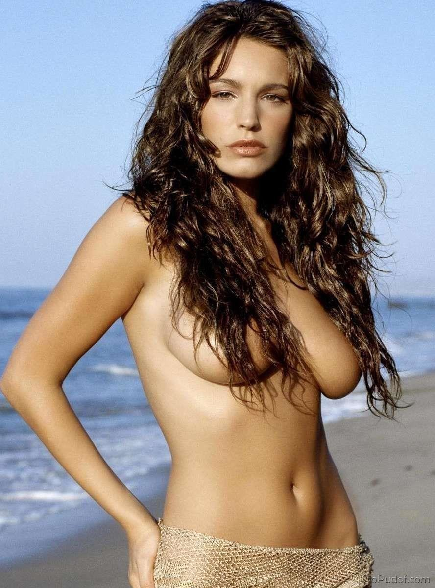 Kelly Brook nude pictures hacked - UkPhotoSafari