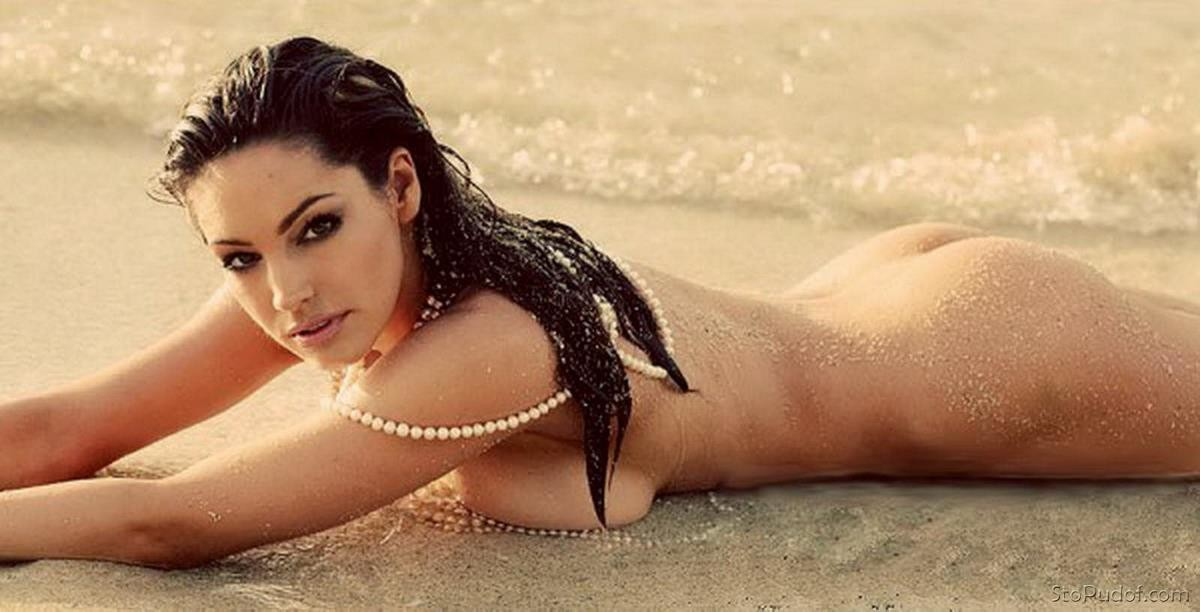 Kelly Brook real naked photos - UkPhotoSafari