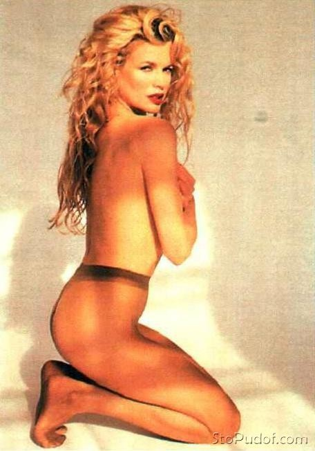 Kim Basinger recent nude photo - UkPhotoSafari