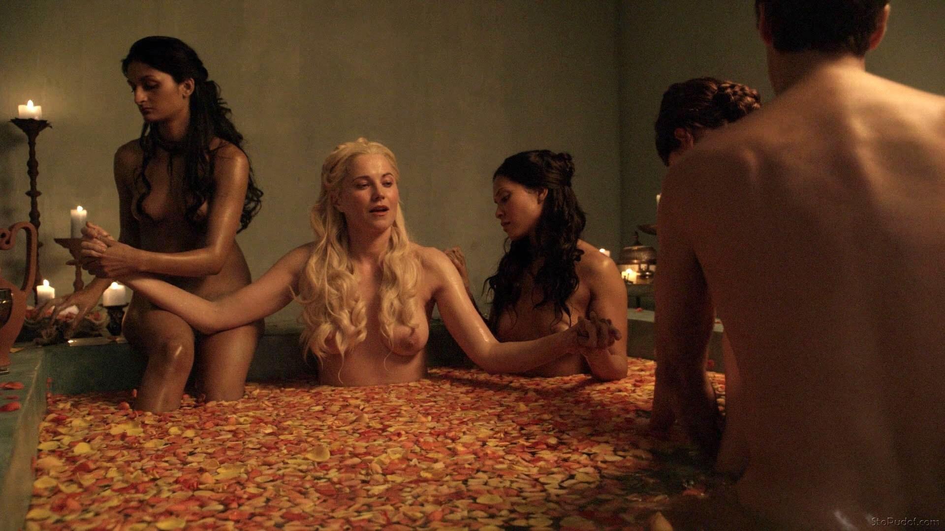 Cougar School Erotik Film izle  filmmottocom