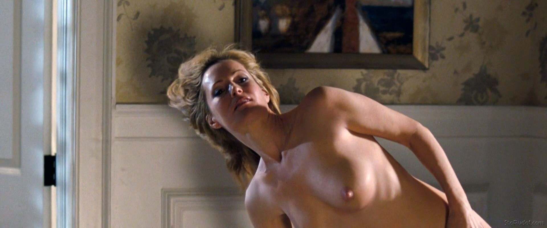 Leslie Mann nude pictures released - UkPhotoSafari