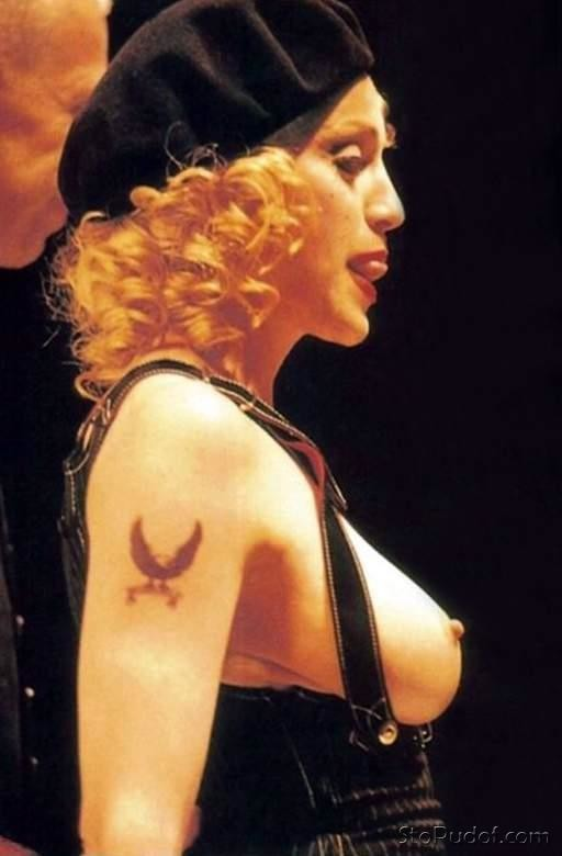 Madonna released nude photos - UkPhotoSafari