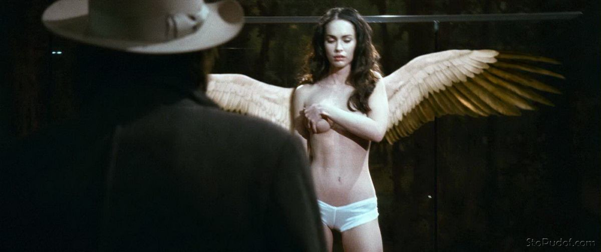 Megan Fox leaked nude uncensored pics - UkPhotoSafari