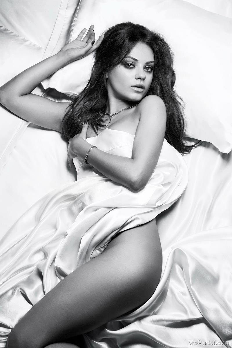 Mila Kunis leaked nude uncensored photos - UkPhotoSafari