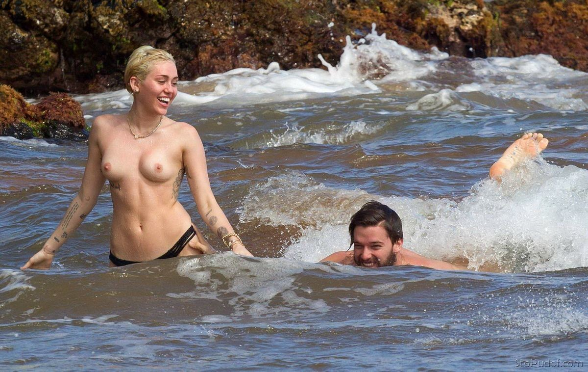 Miley Cyrus nude pictures find - UkPhotoSafari
