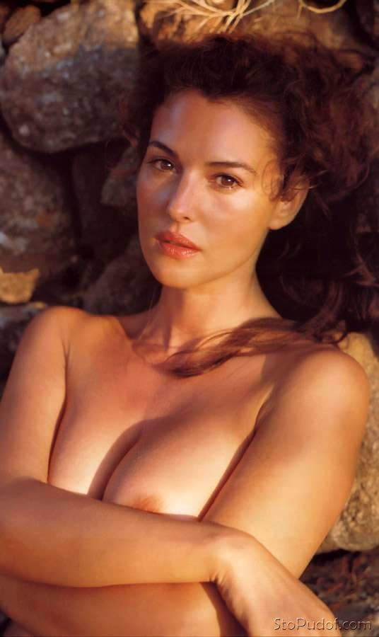 Monica Bellucci naked phone pictures - UkPhotoSafari