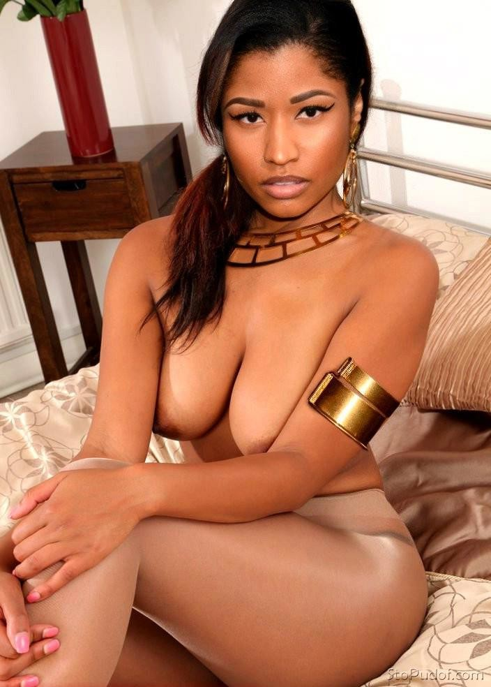 Seems Pics of girls naked nicki minaj not meaningful