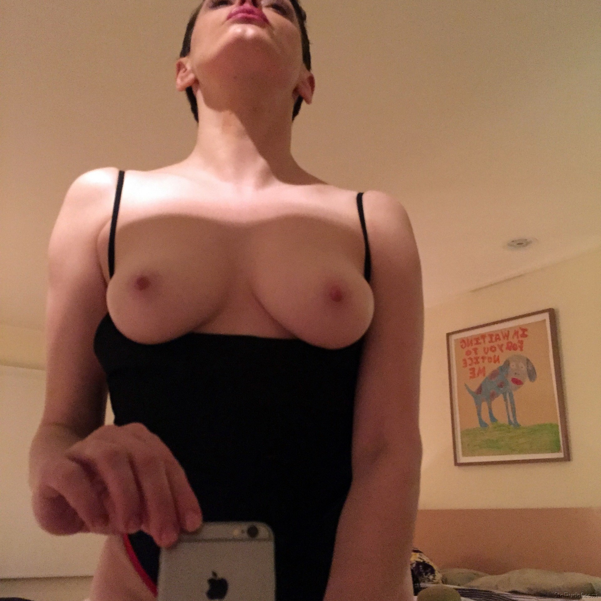 Rose McGowan caught naked - UkPhotoSafari