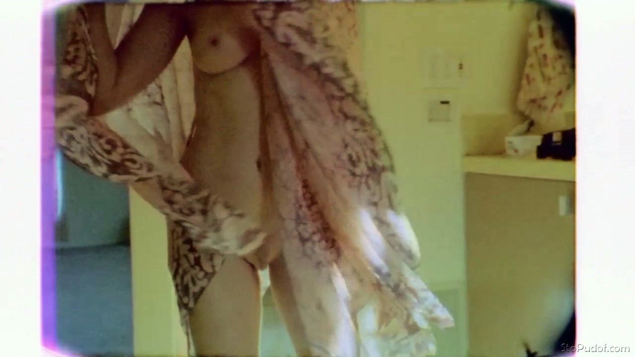Rose McGowan nude twitter photos - UkPhotoSafari
