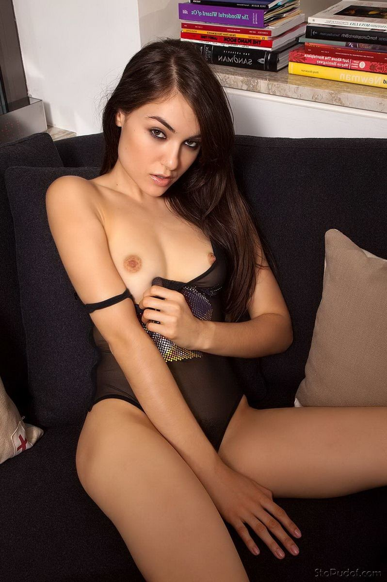 Sasha Grey naked photos gallery - UkPhotoSafari