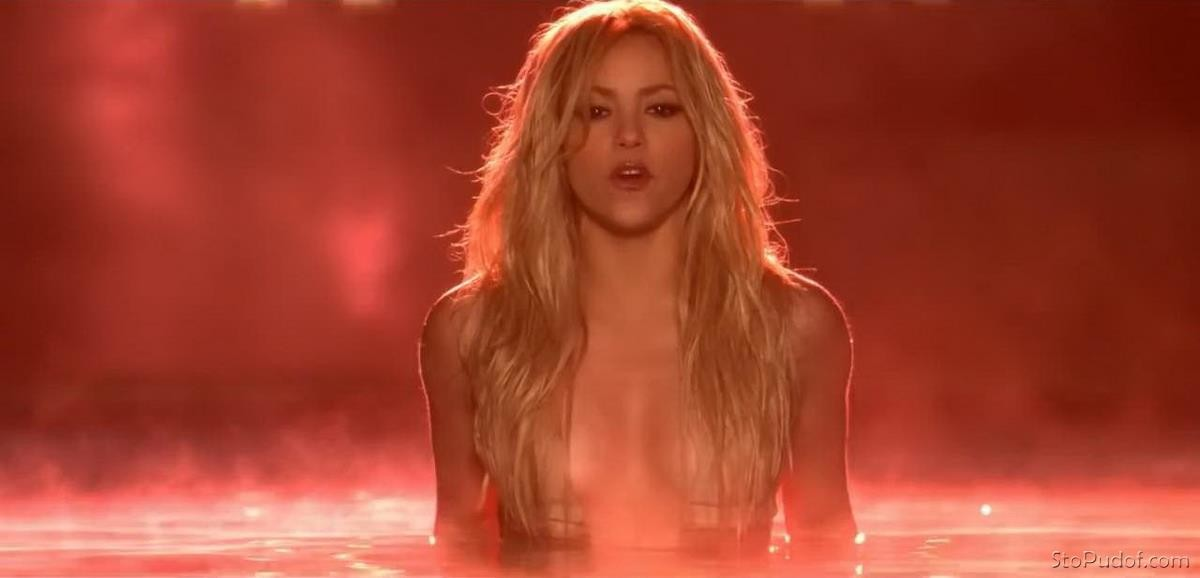 Shakira leaked uncensored nude photos - UkPhotoSafari