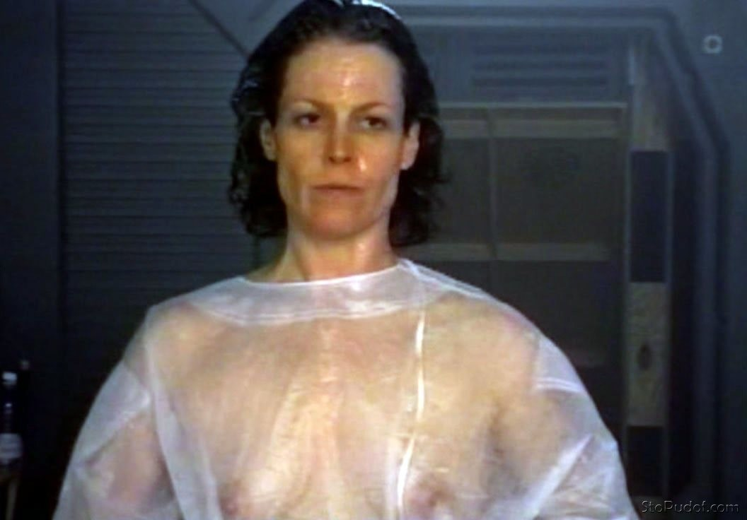 naked sigourney weaver
