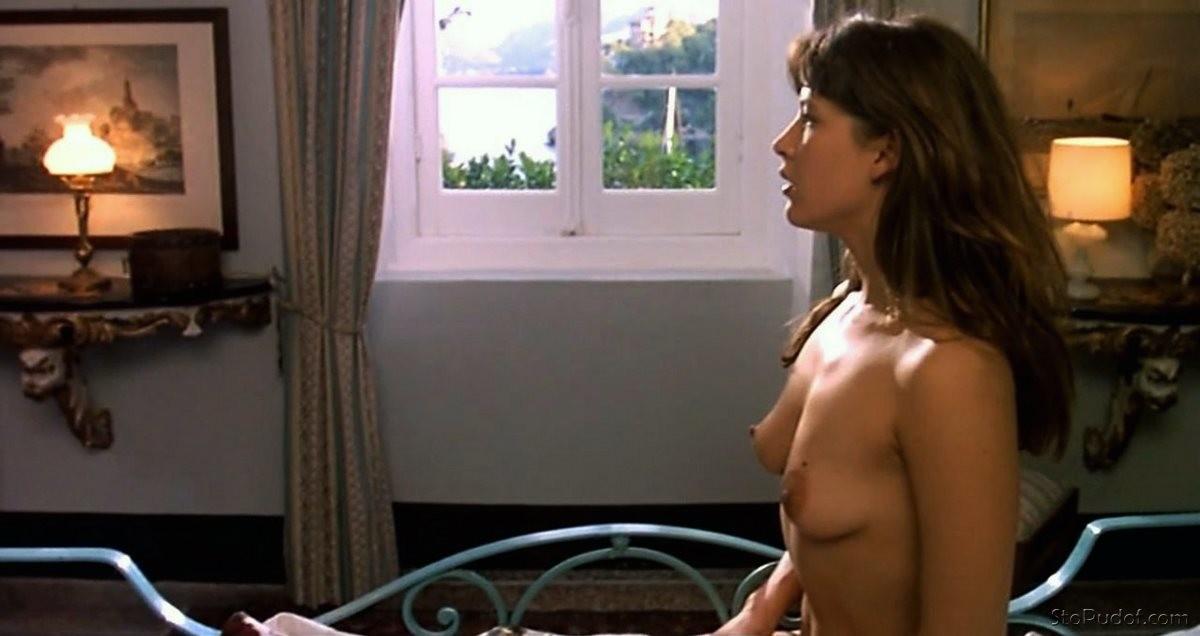 Layla london nackt