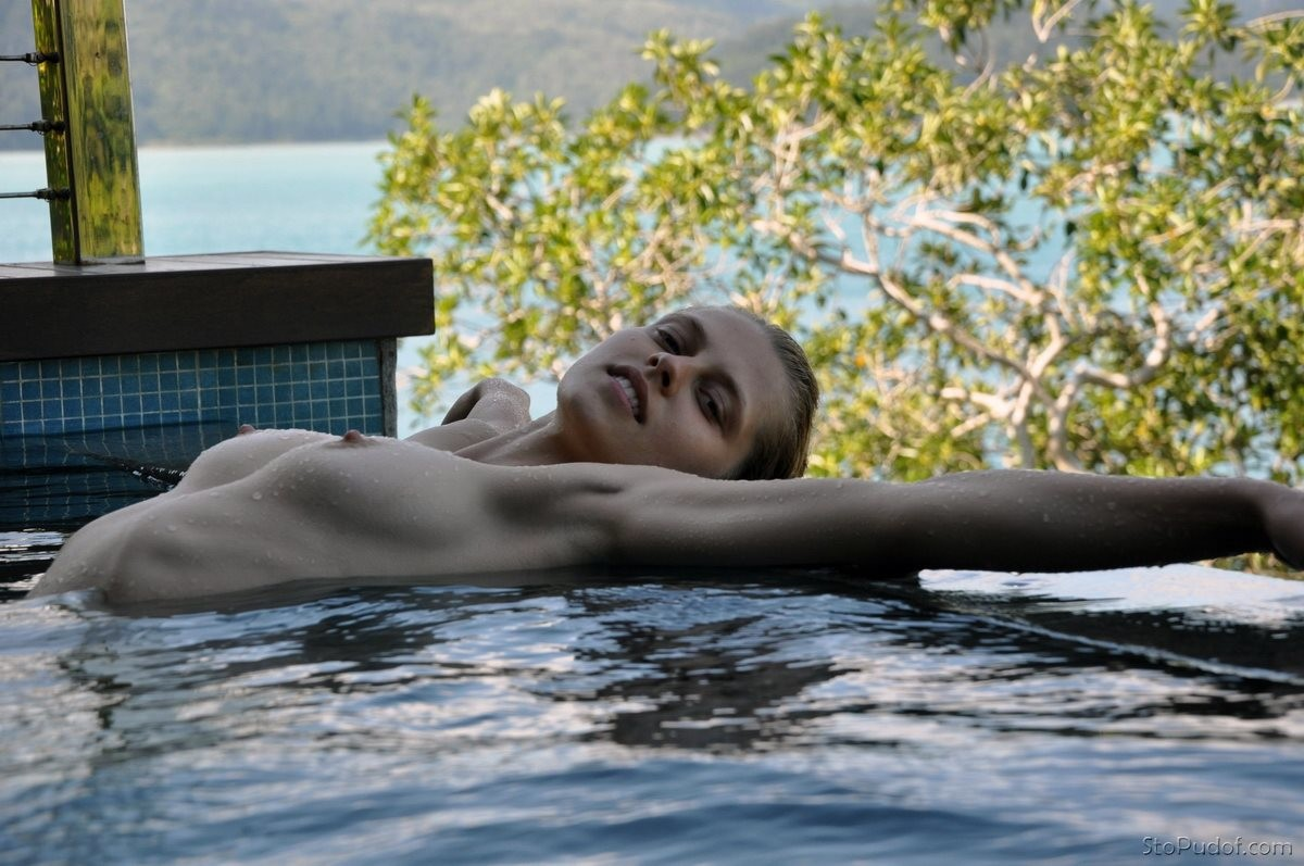 Teresa Palmer naked photo gallery - UkPhotoSafari