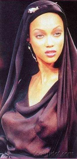 Tyra Banks nude photos - UkPhotoSafari