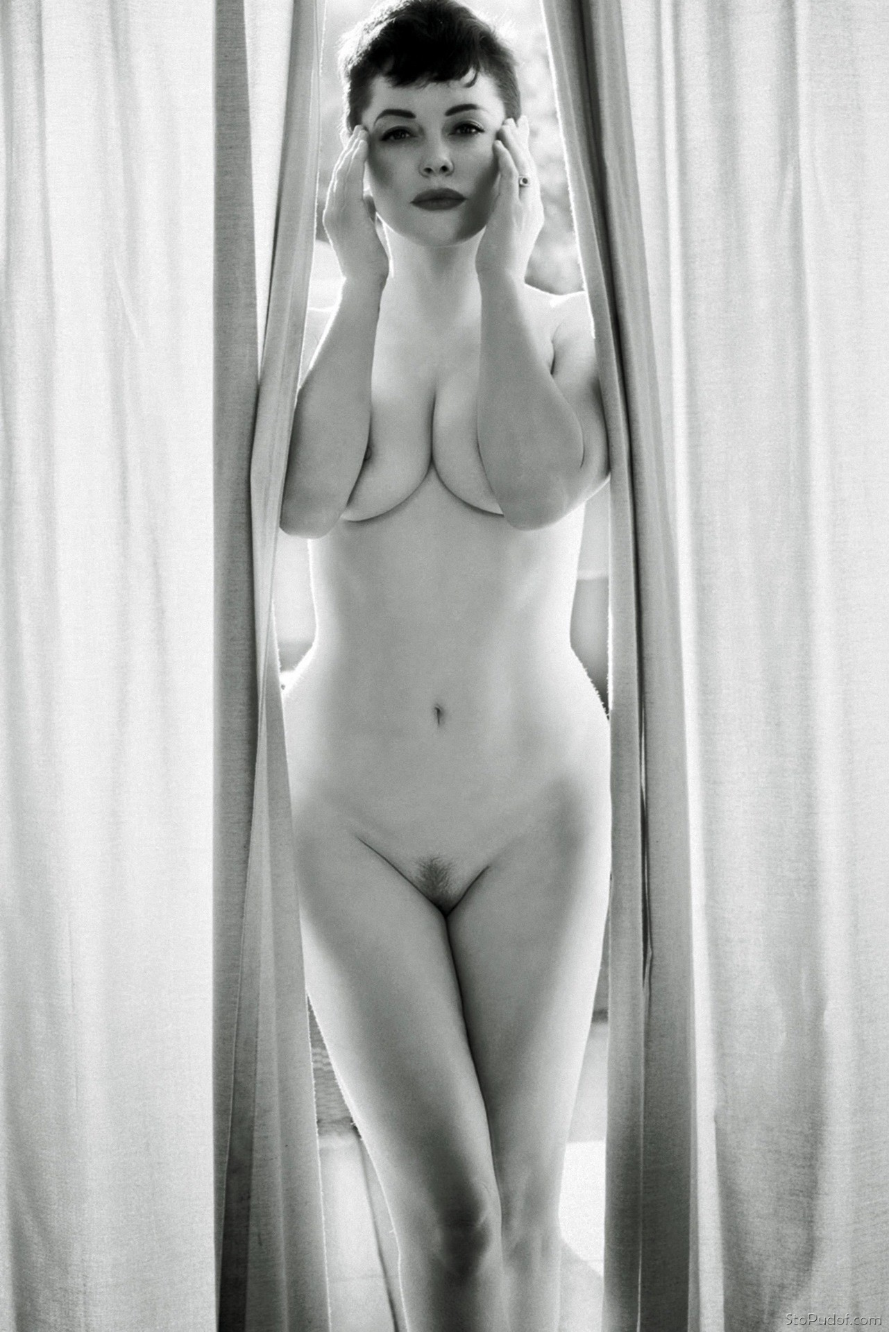 celebrity naked pictures Rose McGowan - UkPhotoSafari