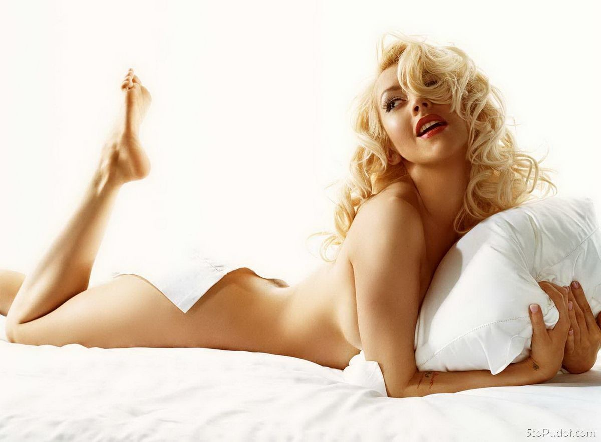 naked pics and video of christina aguilera