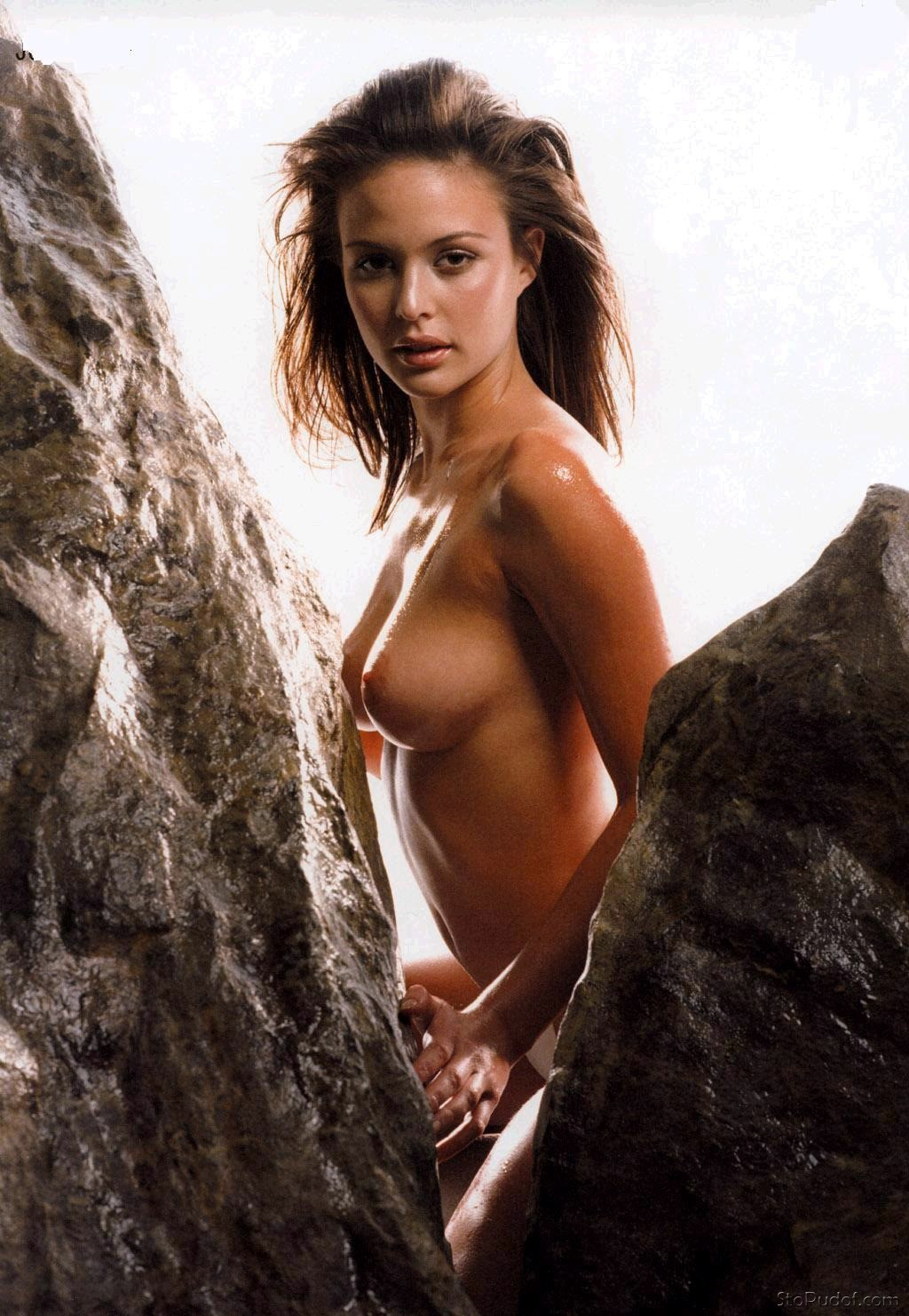 hacked naked pics of Josie Maran - UkPhotoSafari