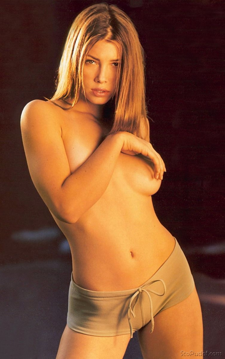 hot Jessica Biel naked - UkPhotoSafari