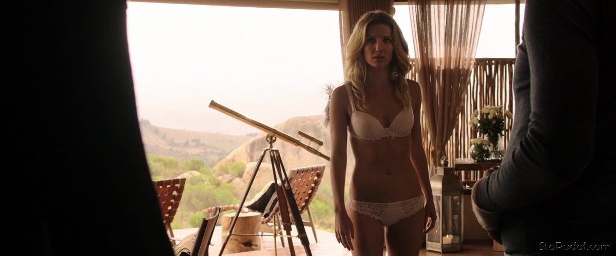 i want to see Annabelle Wallis naked photos - UkPhotoSafari