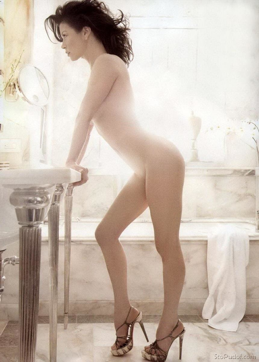i want to see Catherine Zeta Jones naked pics - UkPhotoSafari