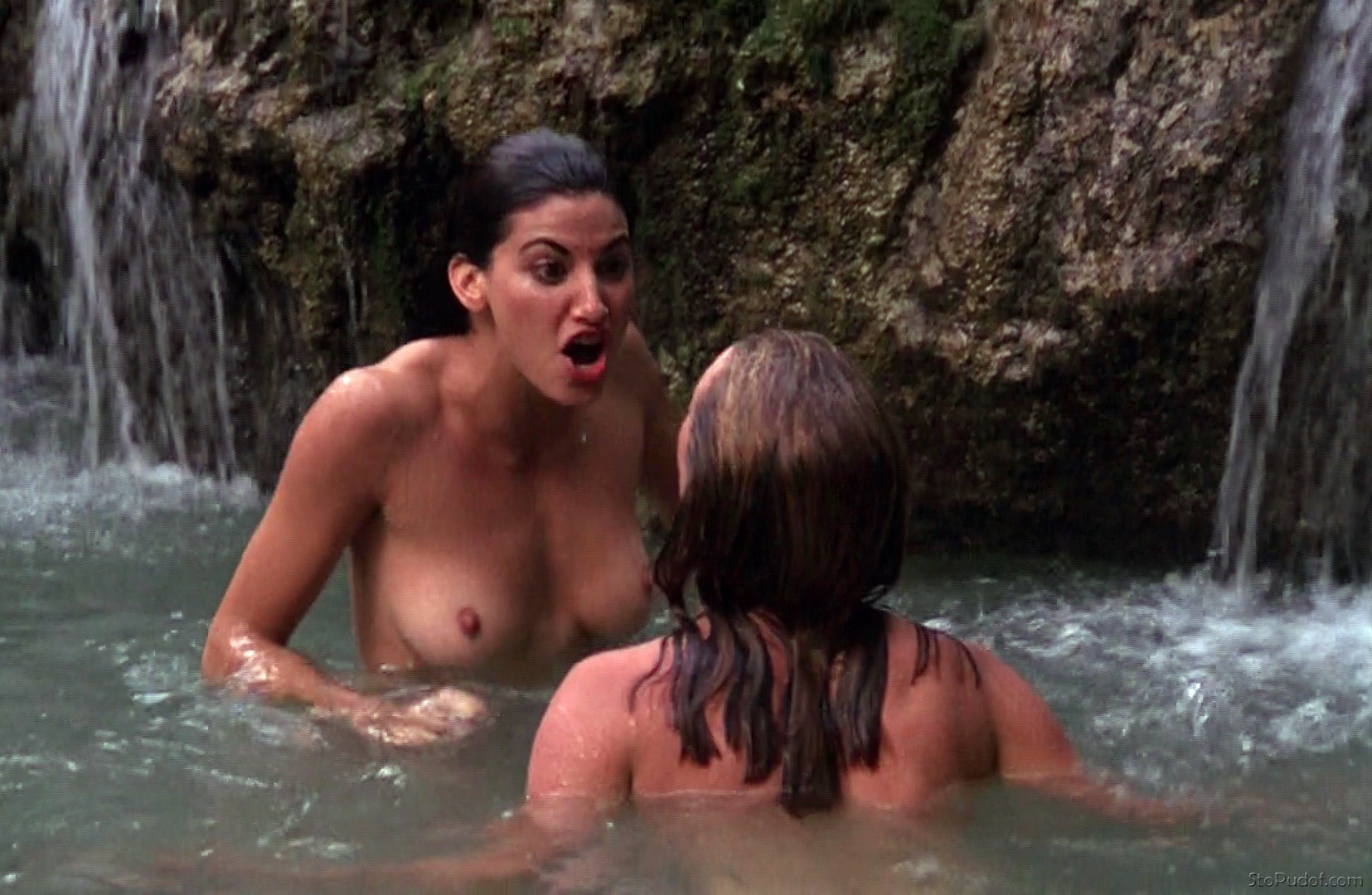 i want to see Gina Gershon nude pictures - UkPhotoSafari