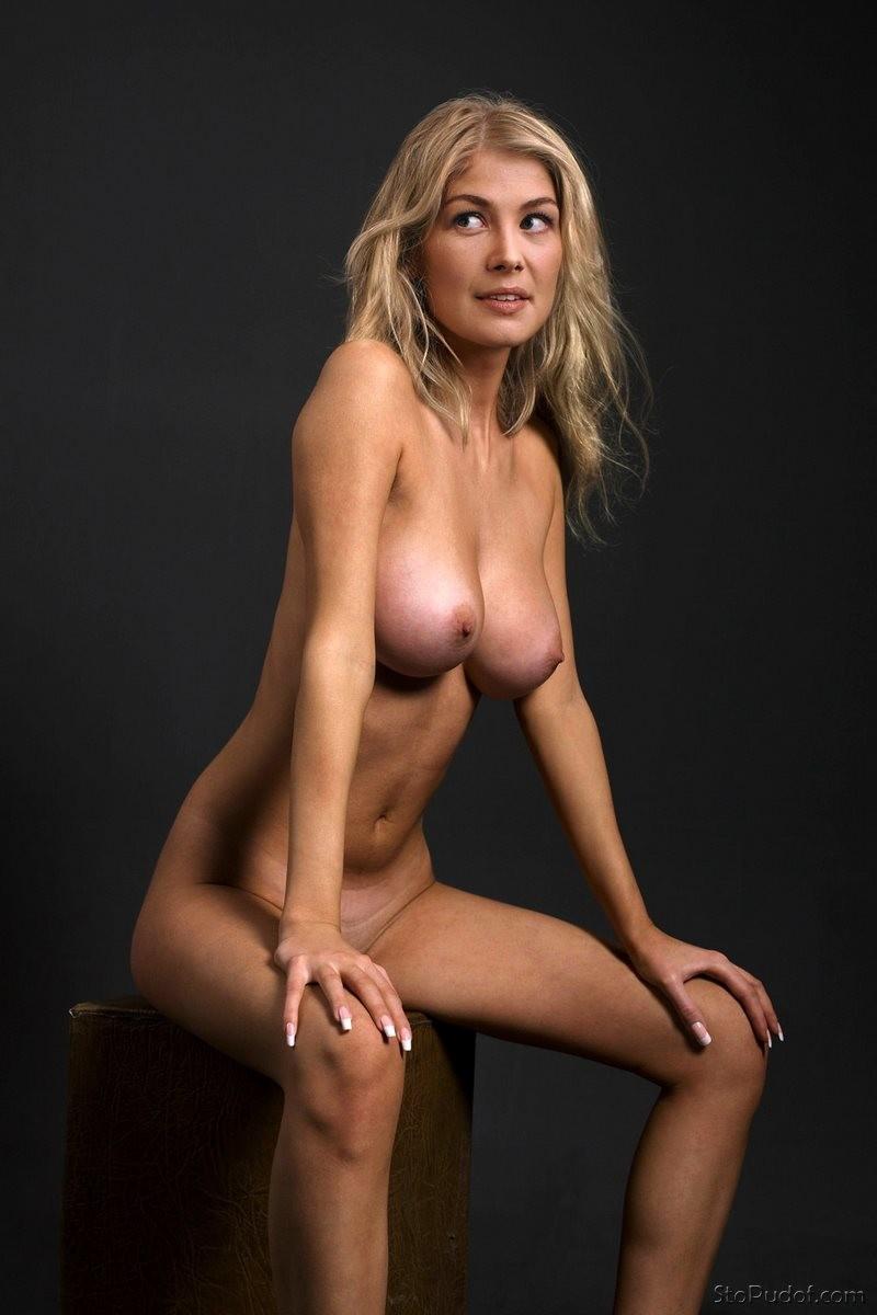 Naked Rosamund Pike In Gone Girl Ancensored
